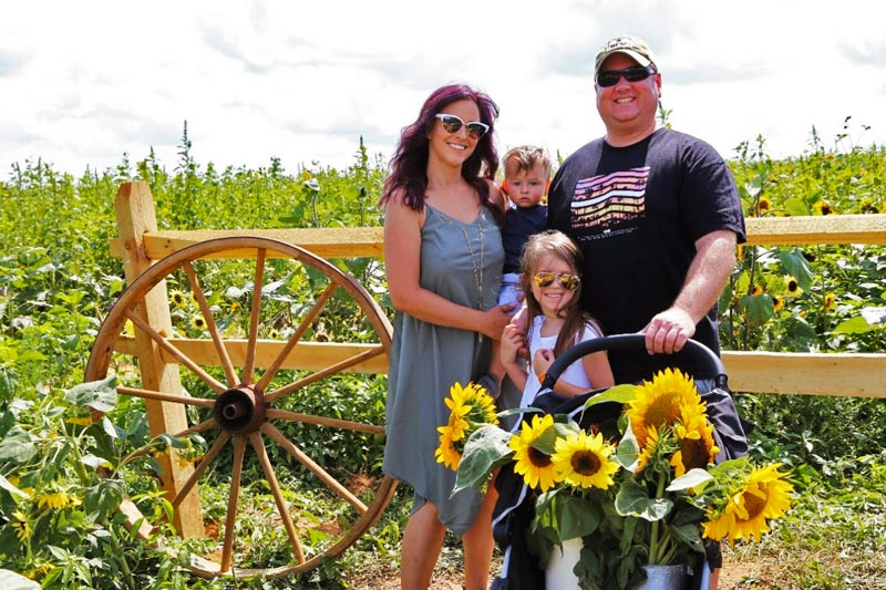 Photo Ops at the PA Sunflower Festival (Maple Lawn Farms, PA)